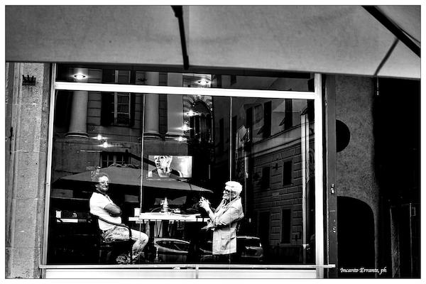 due chiacchiere in vetrina