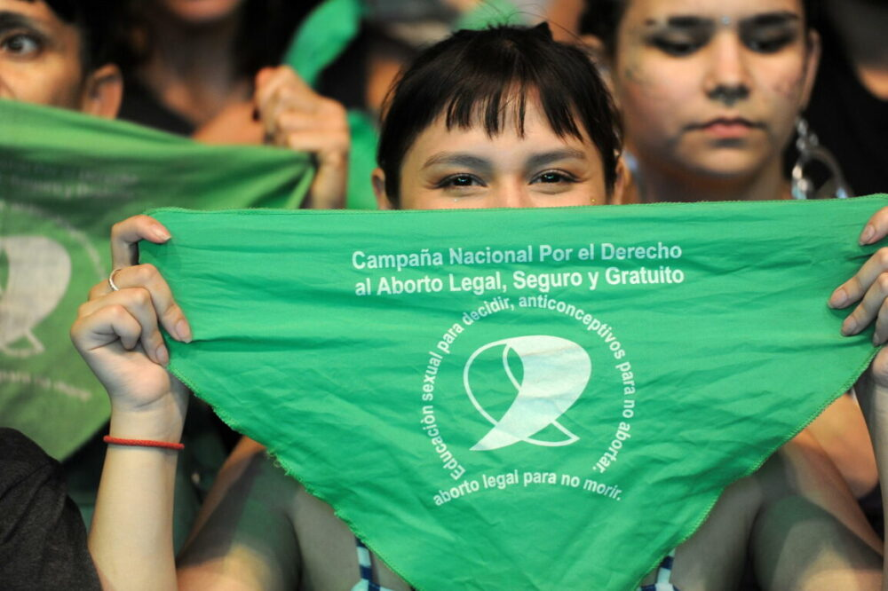 Women in Argentina calls for legalization of abortion